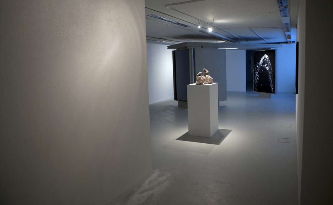 http://www.robertlye.co.uk/files/gimgs/th-68_Install Shot web.jpg